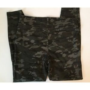 Camo Jeggings New Without Tags By Vanilla Star